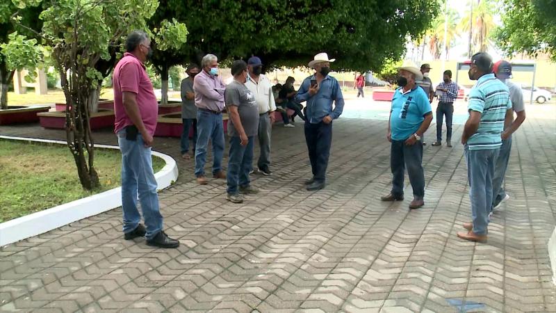 Pescadores ribereños del Caimanero se manifiestan en CONAPESCA