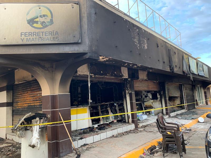 Se incendian locales comerciales en Plaza Guadalupe en Los Mochis