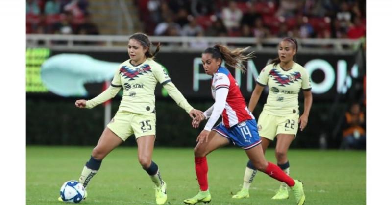 Multan a 17 clubes del futbol mexicano por poner topes salariales a la liga femenil