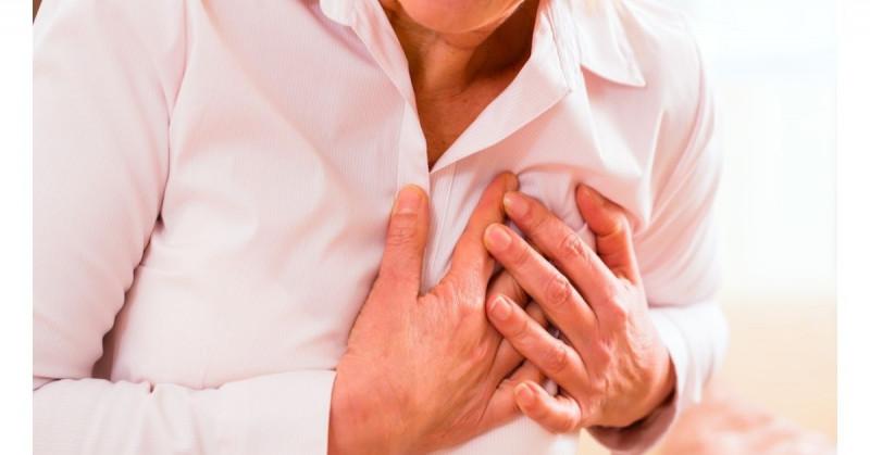 Las mujeres mueren tres veces más por infarto que los hombres, advierten especialistas