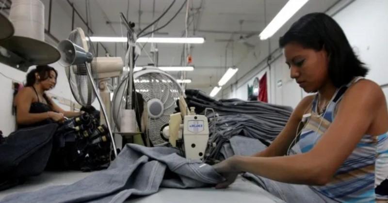 El desempleo en México baja al 4.3 % en agosto