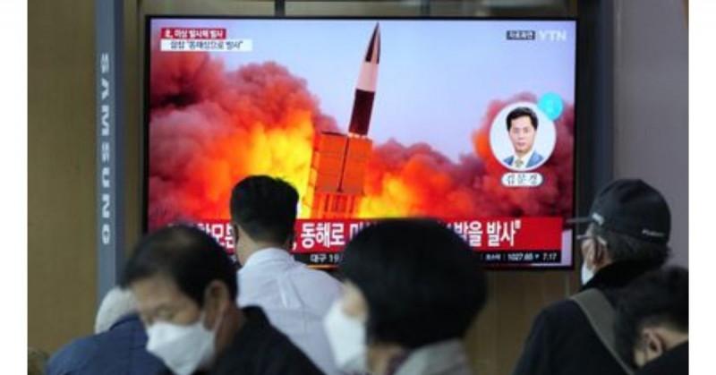 Corea del Norte agrava tensiones al probar su primer misil hipersónico