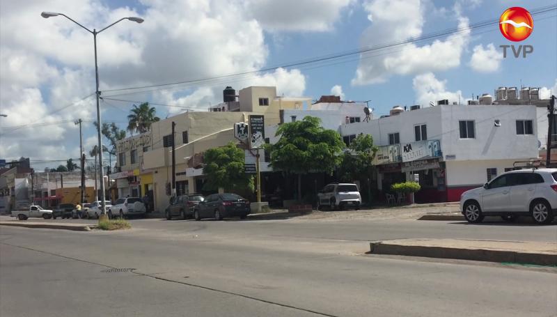 Denuncian invasión de áreas verdes en Jacarandas por particular