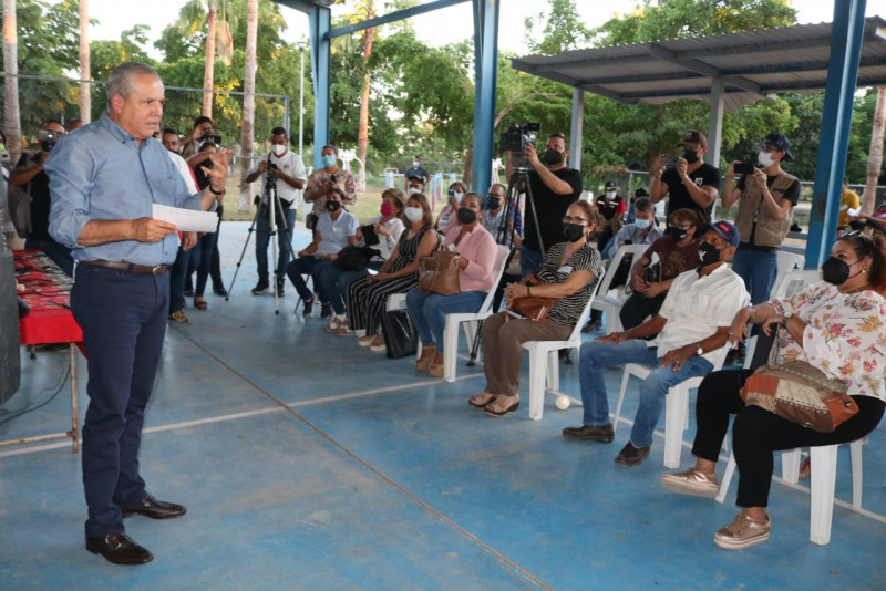"Alcalde electo de Ahome se reúne con grupos ""PARQUES VERDES AHOME"""