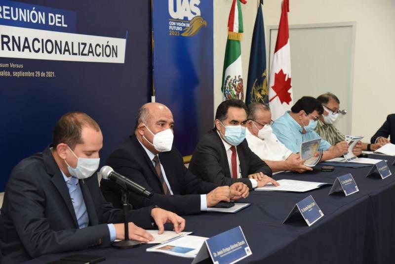 Toman protesta  integrantes del Consejo de Internacionalización en la UAS