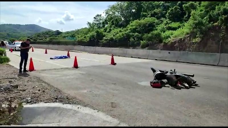Muere mujer en autopista Mazatlán-Tepic