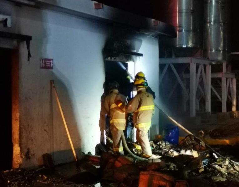 Se incendia fábrica de frituras y tostadas