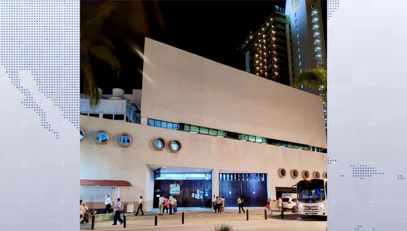 Muere hombre tras caer de quinto piso en hotel de Mazatlán