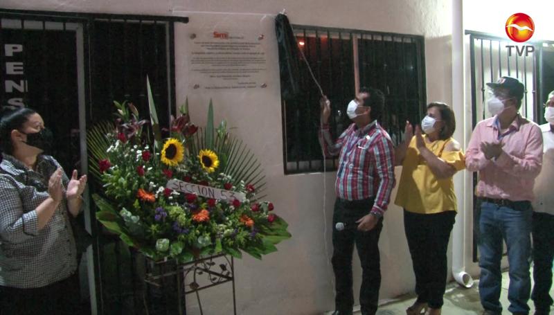 SNTE 53 devela placa por maestros fallecidos durante la pandemia