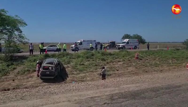 Un menor de edad muerto y tres más heridos dejó una volcadura en Elota