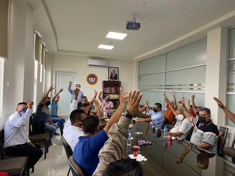 Reeligen sindicatos a Acosta Cárdenas para la secretaría general de la CTM