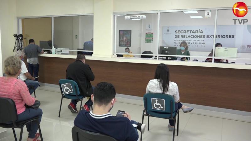 Crece demanda de pasaportes por temporada de periodo vacacional invernal.