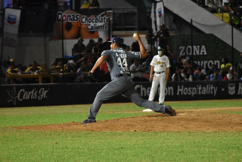 Algodoneros barre en la serie inaugural a Cañeros