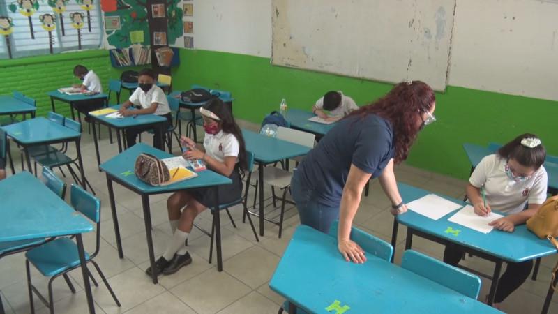 Mil 98 escuelas más a clases presenciales