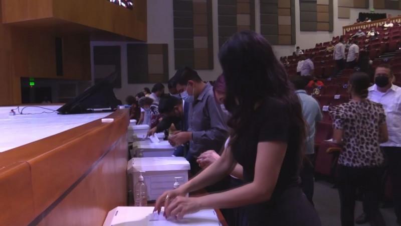 El consejo Universitario elige directores de 29 unidades académicas