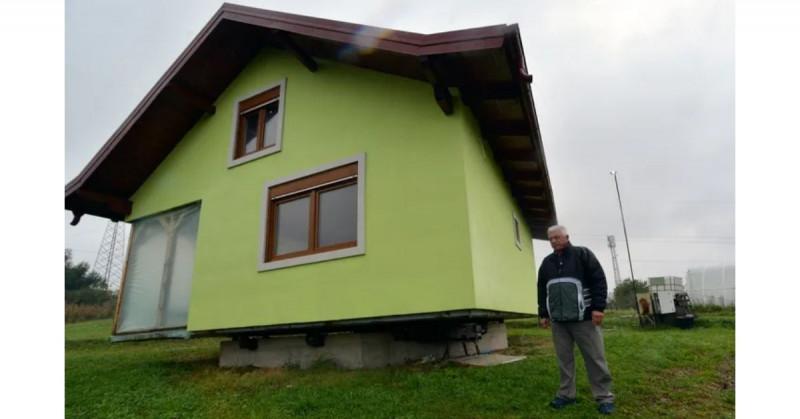 Hombre construye casa giratoria para complacer a su esposa