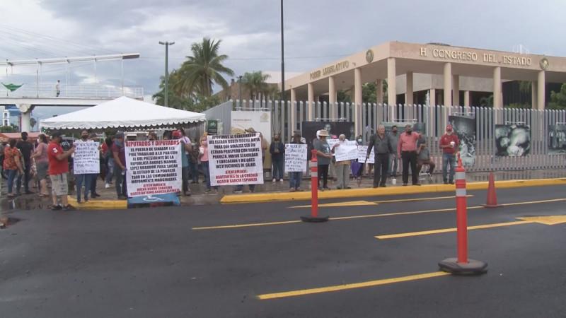Acusan a Victoria Sánchez de enviar grupos armados a los predios del Valle de Aguaruto