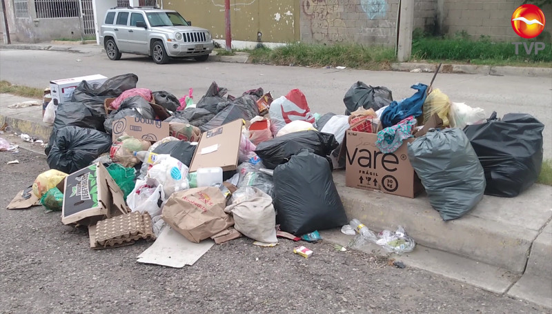 Pese a llamado de autoridades, mazatlecos sacan basura a la calle
