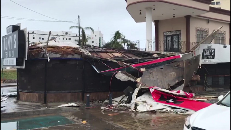 """Sólo daños materiales deja """"Pamela"""" a su paso por Mazatlán"""