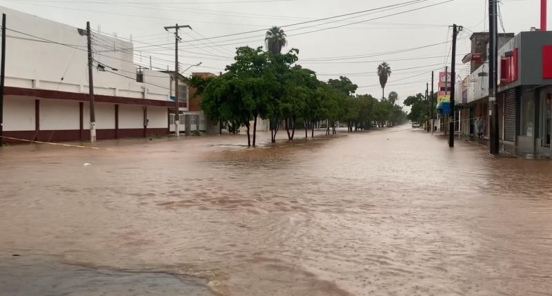 """""""Pamela"""" deja colonias inundadas en Los Mochis"""