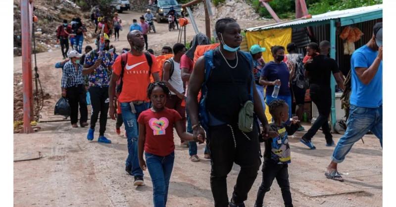 Haitianos pagan hasta 30 mil pesos por casarse con una mexicana
