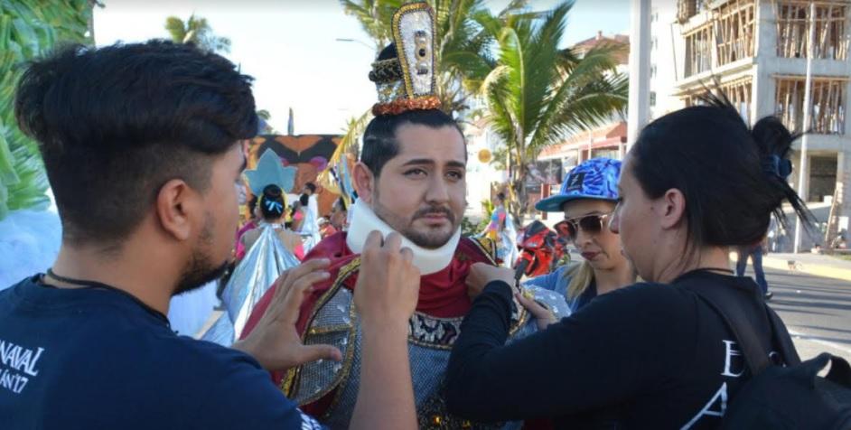 Es coronado Tulio Martínez como Rey de la Alegría