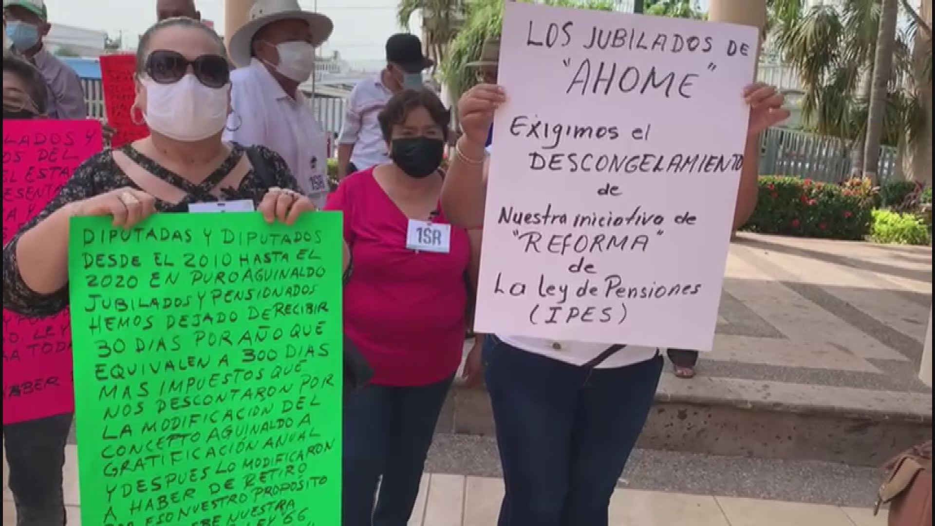 Protestan trabajadores de CONAGUA por despidos injustificados e ilegales