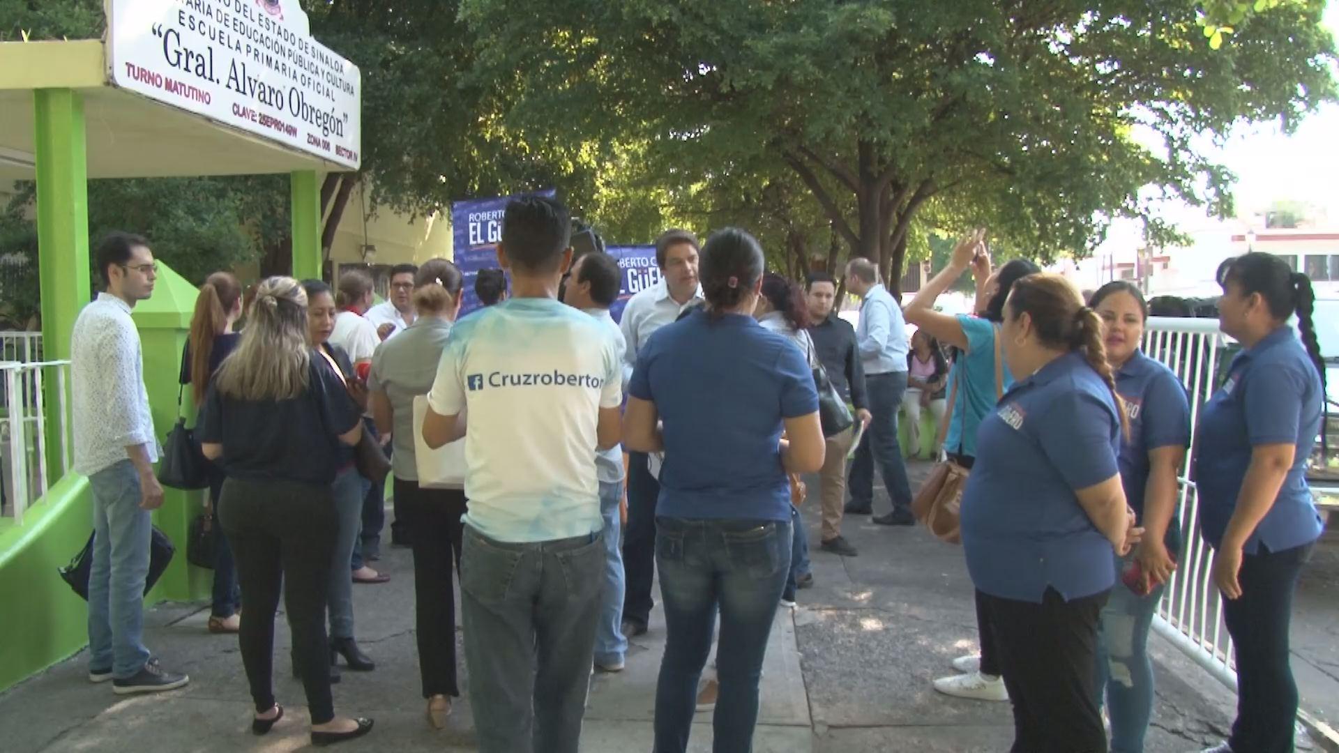 Admiten amparos contra la reducci n de uniformes y tiles for Villas tortuga celestino sinaloa