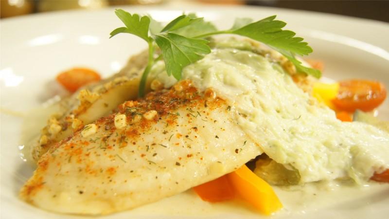 Filete de pescado a la griega