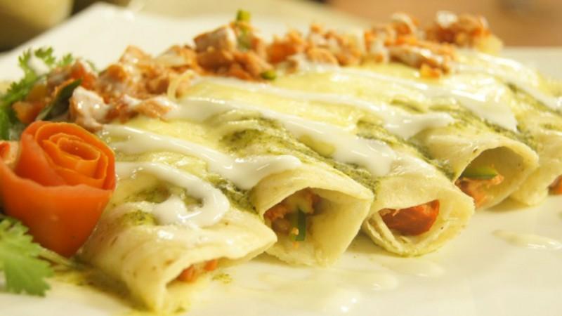 Enchiladas de marlín en salsa de cilantro