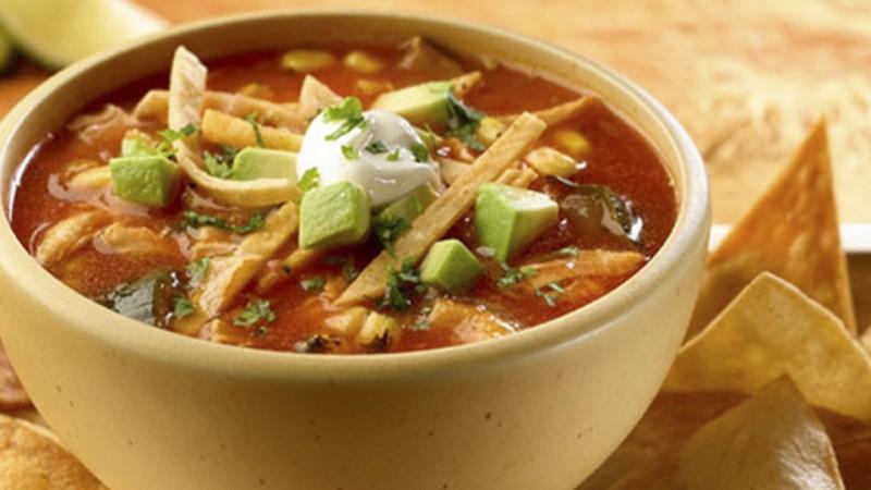 Cómo hacer sopa de tortilla tradicional