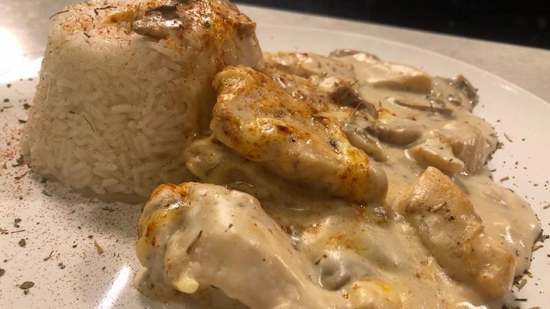 Cómo hacer pechuga de pollo en crema de champiñones