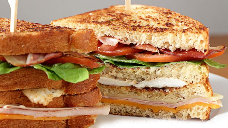 Como preparar un club sándwich