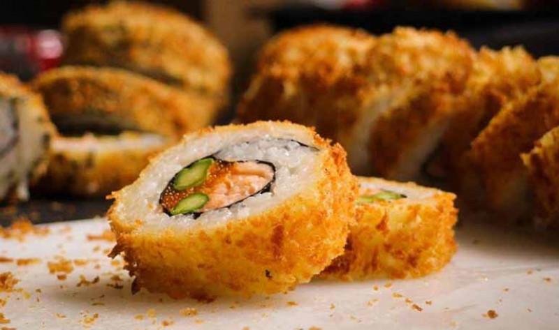 Aprende a preparar rollos de sushis empanizados