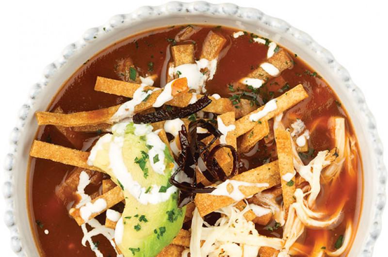 Cómo preparar una exquisita sopa de tortilla