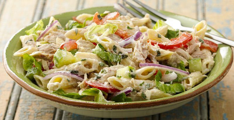 Receta fácil de ensalada de pasta con atún y lechuga