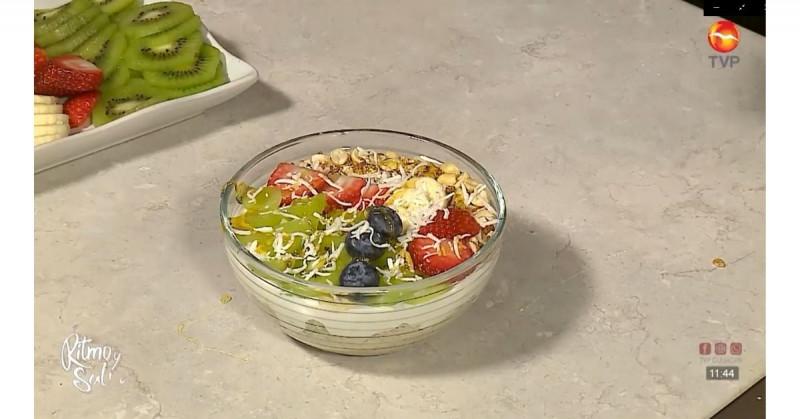 Paso a paso así preparas un colorido y delicioso bowl de avena con frutas