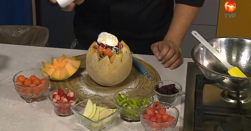 El melón relleno con frutas es el mejor postre que podrás hacer