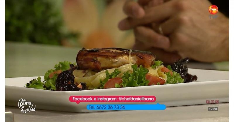 ¿Cómo preparar medallones de pollo en salsa de jamaica? (video receta)