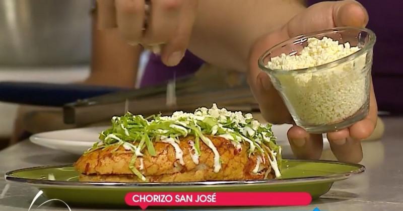 Cómo hacer ricos pambazos de papa con chorizo (video receta)