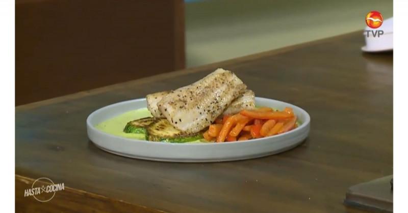 Este pescado en salsa de cilantro es bajo en calorías y rico en proteínas (video receta)