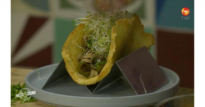 Sorprende a tu familia con unos deliciosos tacos de costra de queso con champiñones (video receta)