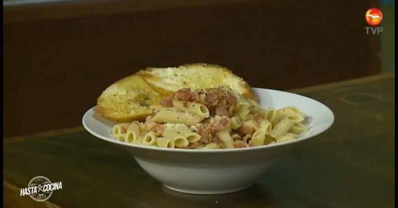 Pon atención que hoy aprenderás a preparar una deliciosa pasta a la carbonara (video receta)