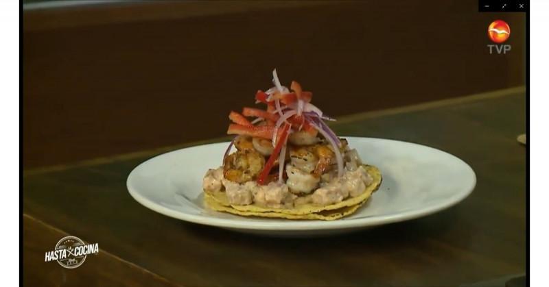 Cómo hacer tostadas especiales de camarón y spicy de atún (video receta)